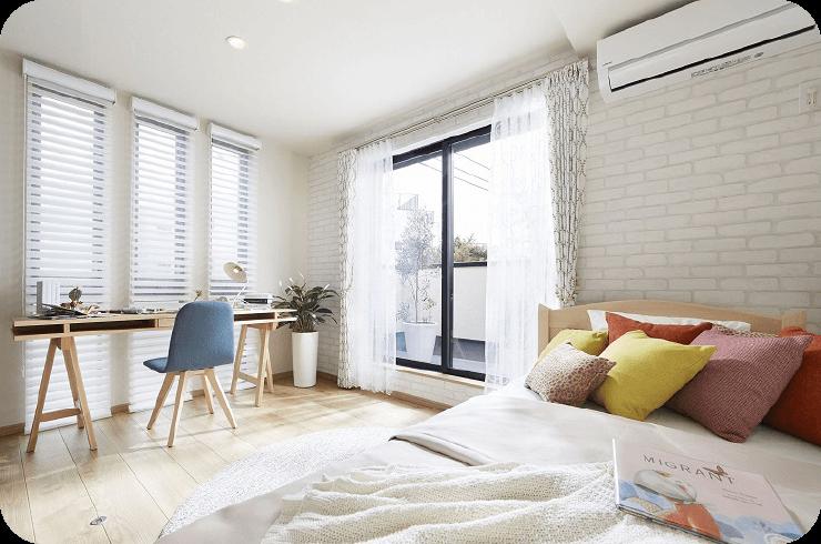 優しくつつみ、温かく迎える室内装飾。